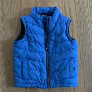 Pocketed fleece vest